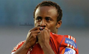 seydou-doumbia-csk-moscow-kissing-badge-newcastle-united-nufc-650x400
